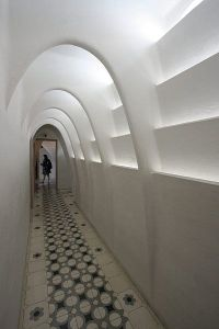 gaudi arches 2